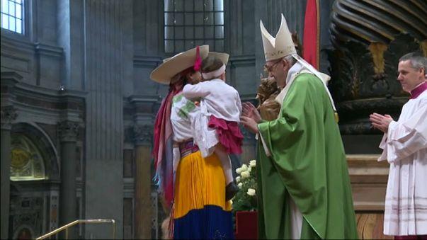 El papa pide solidaridad y comprensión con los inmigrantes