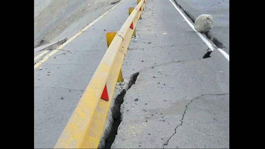 Forte sismo abala o Peru