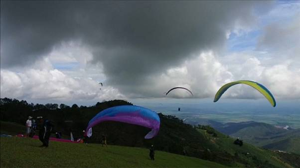 """Superfinal"" der Paraglider in Kolumbien"