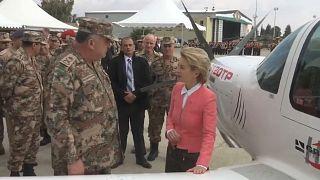 Camion ed aerei militari tedeschi alla Giordania