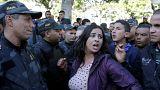Sept ans après leur révolution, les Tunisiens protestent contre les hausses d'impôt