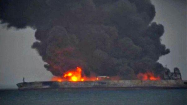 Çin Denizi'nde petrol tankeri battı