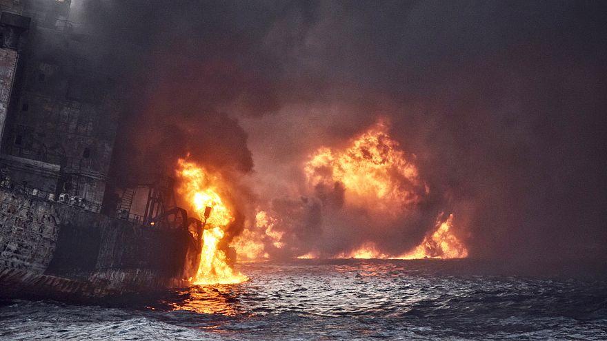 Βυθίστηκε το φλεγόμενο ιρανικό τάνκερ