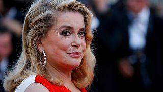 """Catherine Deneuve revient sur la polémique provoquée par sa tribune dans """"Le Monde"""""""