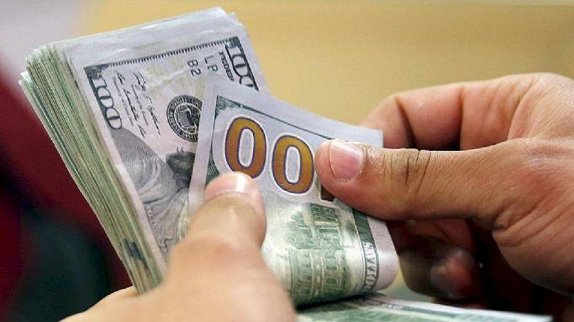 عملة الولايات المتحدة الأمريكية (الدولار)