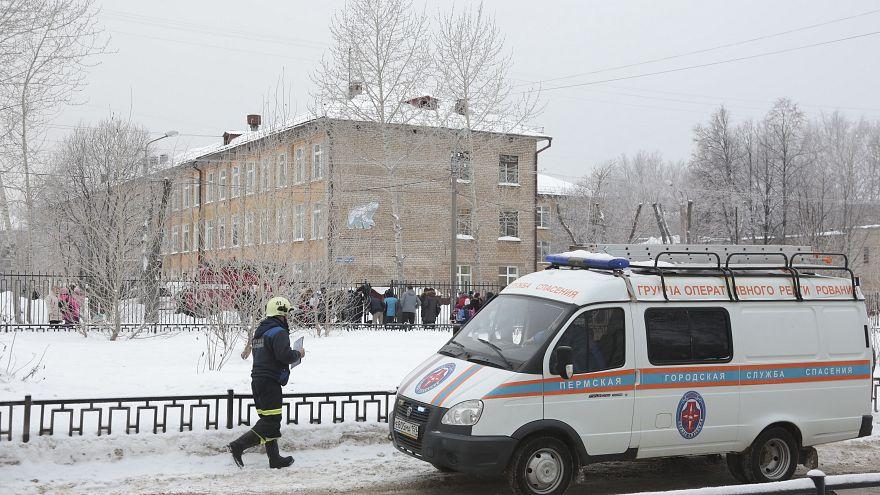 إصابة 15 شخصاً في هجوم بالسكاكين على مدرسة في روسيا