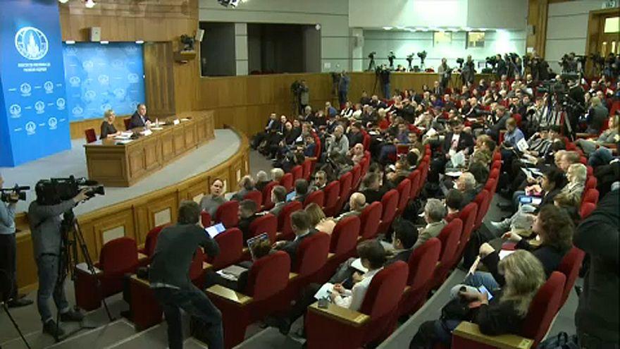Lavrov: Mindenki higgadjon le!