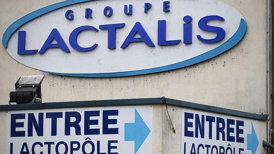 """Lo """"scandalo Lactalis"""" coinvolge 83 Paesi, 12 milioni di confezioni ritirate"""