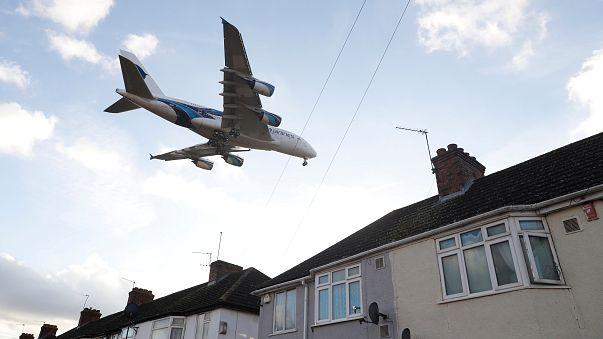 Un Airbus A380 en phase d'atterrissage.