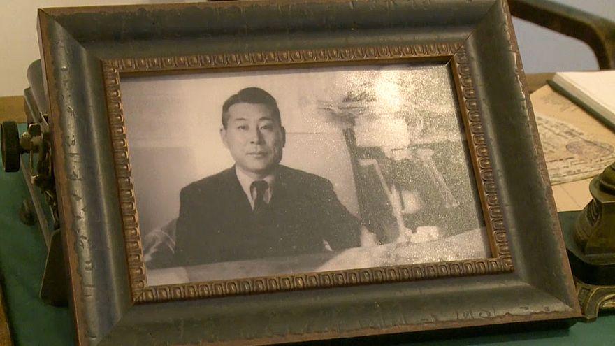 L'omaggio del premier giapponese allo Schlinder nipponico