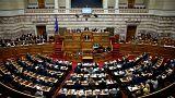Yunanistan Meclisi'nden yeni kemer sıkma paketine onay