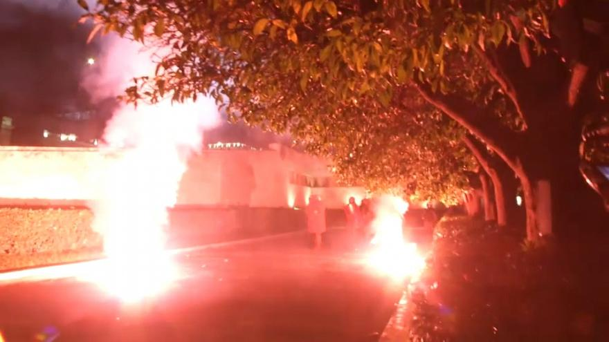 Atene: guerriglia urbana contro l'austerity