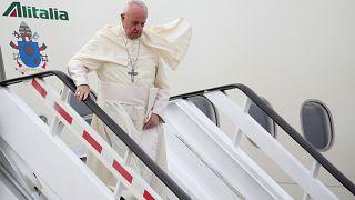 Papst Franziskus bei seiner Ankunft auf dem Flughafen Pudahuel