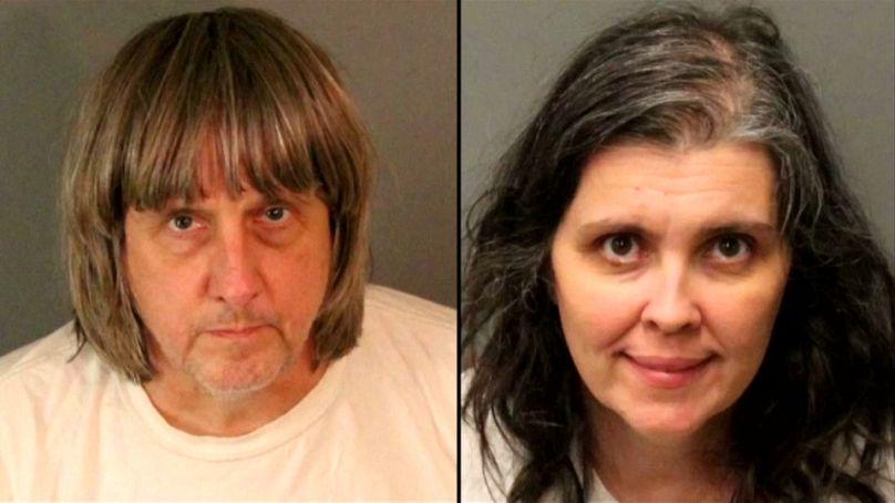Hallan a 12 hermanos encerrados en una casa de California