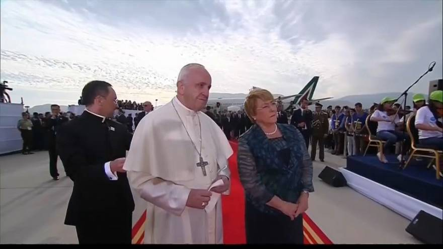 البابا فرانسيس في تشيلي لتحسين صورة الكنيسة بعد سلسلة الفضائح الجنسية