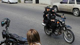 عملیات گسترده پلیسی برای دستگیری عامل حمله به ساختمانهای دولتی ونزوئلا