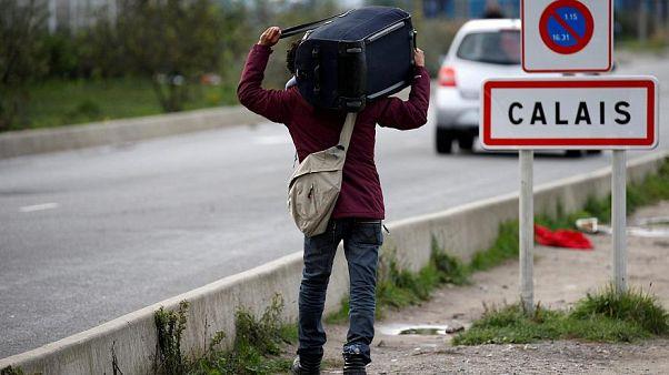 أحد المهاجرين في مدينة كاليه شمال فرنسا