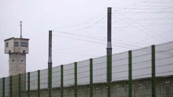 Prisons : la grève des gardiens continue