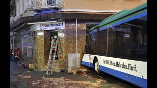 Öğrenci otobüsü duvara çarptı: 48 yaralı