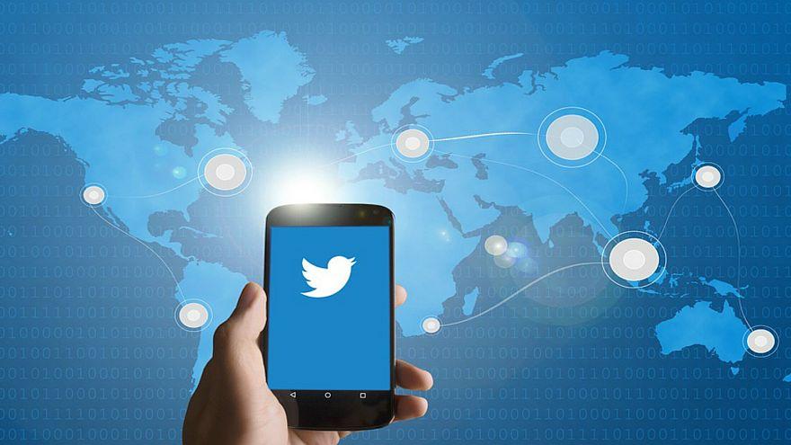 احذروا.. تويتر يراقب رسائلكم