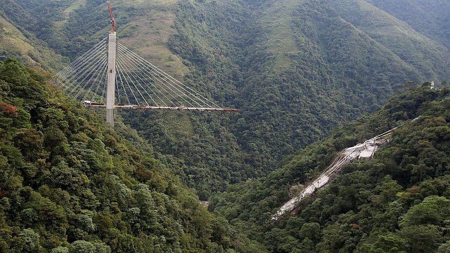 Dix morts dans l'effondrement d'un pont en Colombie