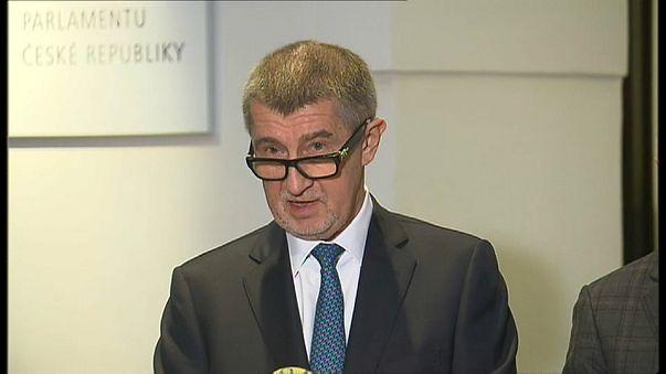 El PM checo renuncia a la inmunidad parlamentaria