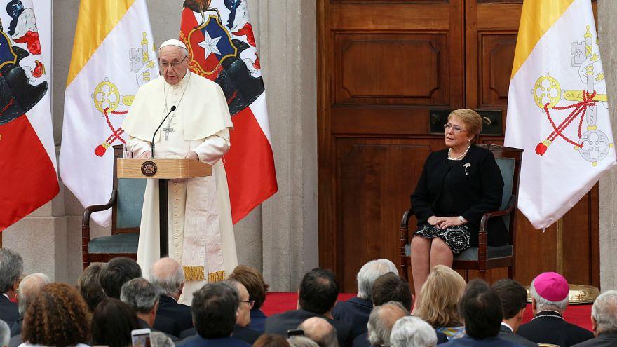 پاپ فرانسیس در کنار رئیس جمهوری شیلی