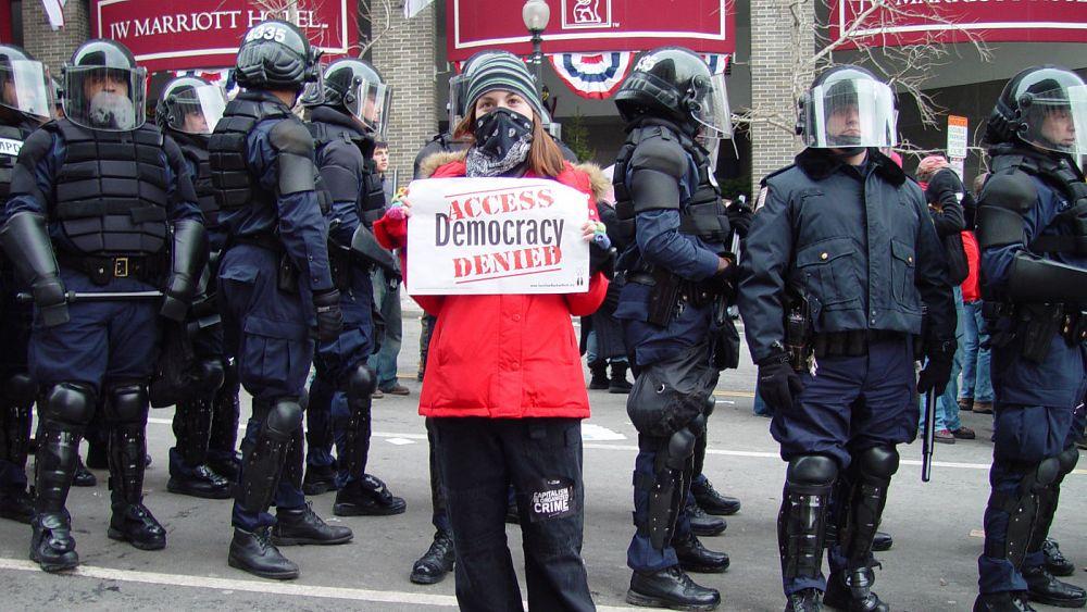 کاهش آزادی های دموکراتیک در سال ۲۰۱۷ به «پایین ترین سطح» در یک دهۀ گذشته
