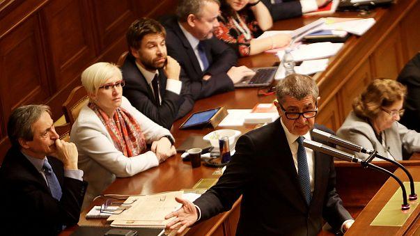 """Primeiro-ministro checo: """"Não houve roubo nem corrupção"""""""