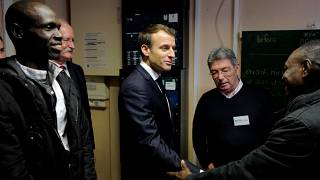 "Migranti: Macron ""mai più una giungla a Calais"""