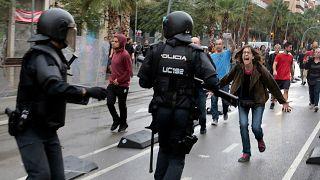 Netflix promociona Black Mirrors con imágenes de la violencia policial en Cataluña