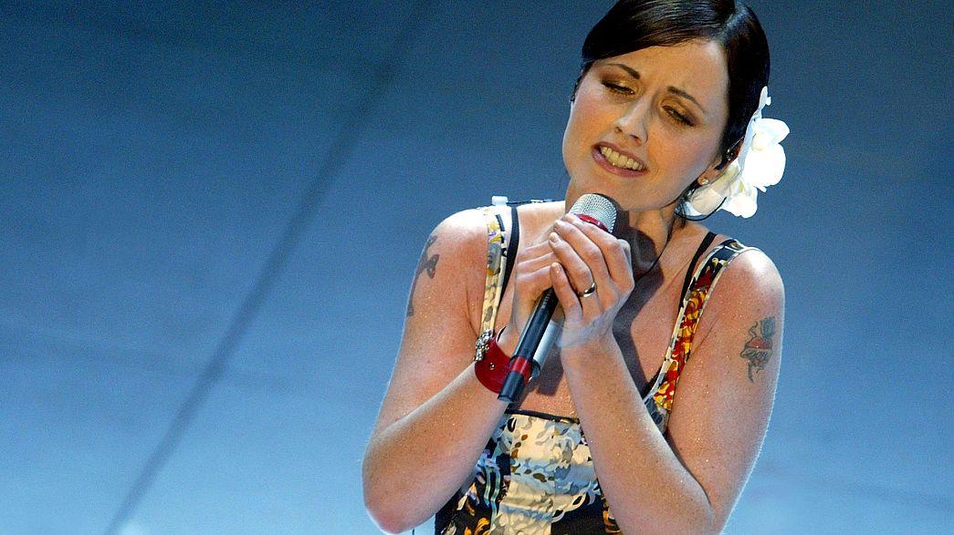 Mundo da música relembra Dolores O'Riordan