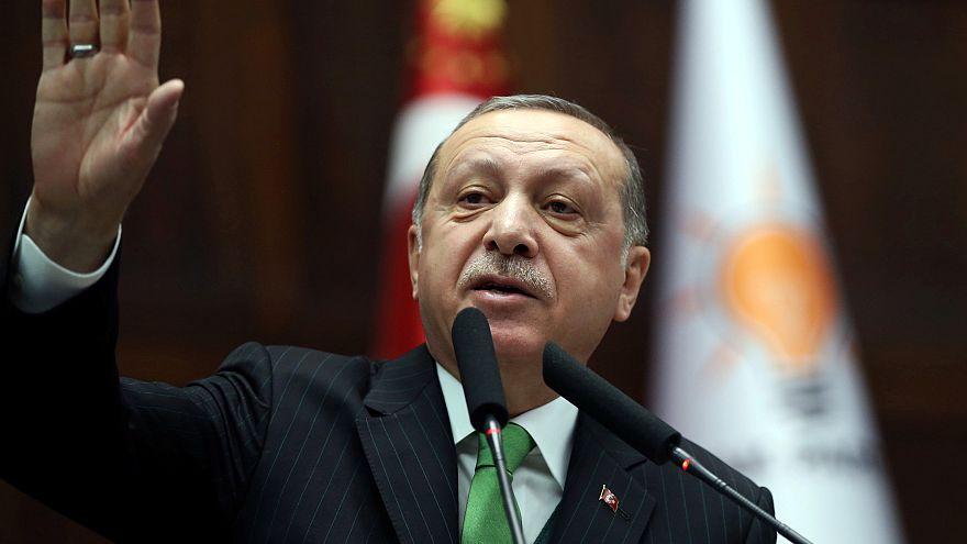 Erdogan repreende nato e prepara ataque na Siria