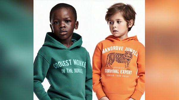 عرض قميص أثار اتهامات بالعنصرية للبيع بسعر 1600 يورو على إيباي
