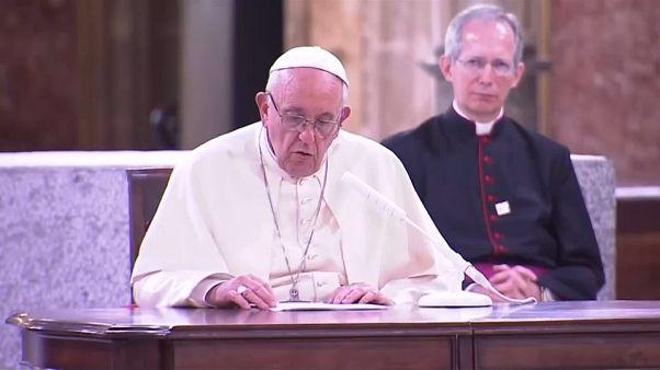 Papa Şili'de cinsel istismarla mücadele sözü verdi