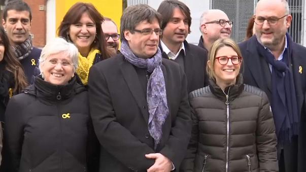 Katalonya'dan Puigdemont'a destek