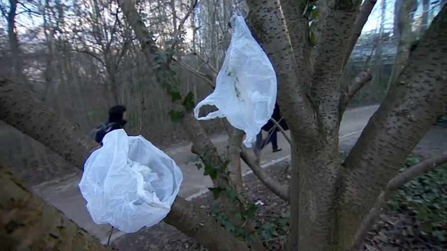 Bruxelas quer acabar com desperdício de plástico até 2030