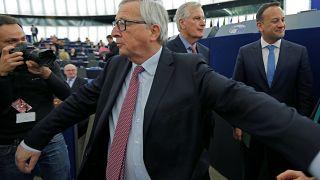 EU-Kommissionspräsident Juncker mit Brexit-Unterhändler Barnier