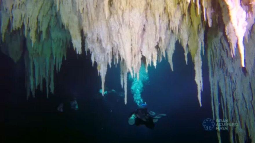 Gyönyörű a világ leghosszabb víz alatti barlangja