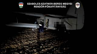 En Hongrie, des migrants arrivés par avion