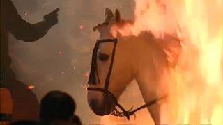 Tűzugrás lovakkal Spanyolországban