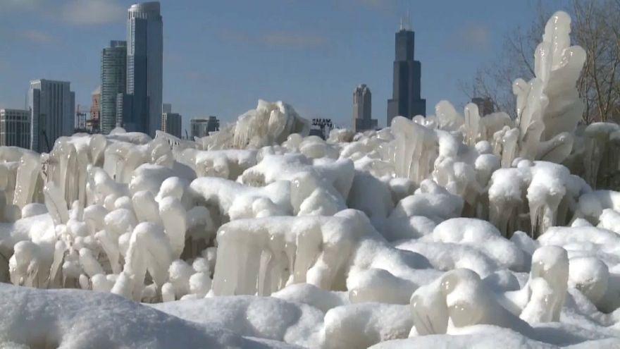 Paisaje helado a orillas del lago Michigan