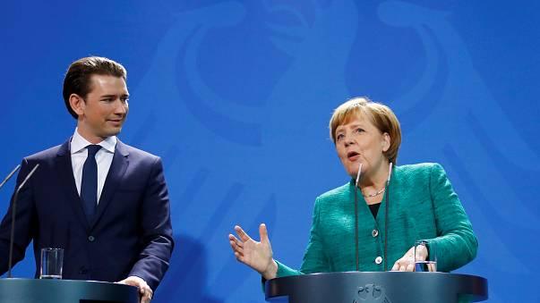 """Austria: Merkel """"giudicheremo governo Kurz dalle sue azioni"""""""