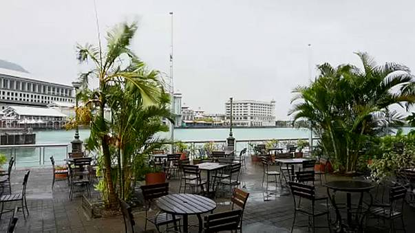 Ciklon tart Mauritius felé