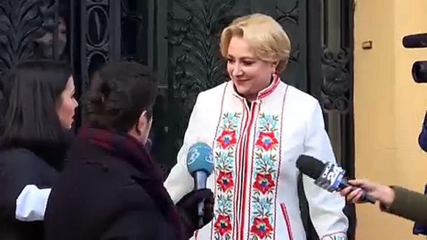 Viorica Dăncilă alakíthat kormányt Romániában