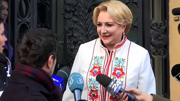 Romanya'da Sosyal Demokrat Parti'nin başbakan teklifi kabul edildi