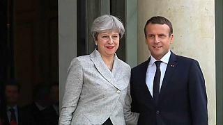 Londra'da May-Macron zirvesi