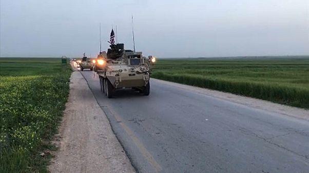 Maradnak az amerikai csapatok Szíriában