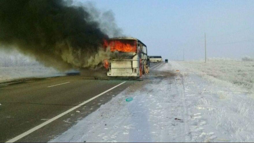 آتش گرفتن اتوبوس در قزاقستان ۵۲ کشته برجای گذاشت