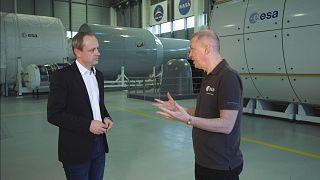 """""""Εδώ στο Ευρωπαϊκό Κέντρο Αστροναυτών ερευνούμε τις λειτουργικές ιδέες για μια σεληνιακή βάση"""""""
